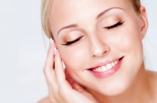 Jak zrobić dwuetapowe oczyszczanie twarzy?