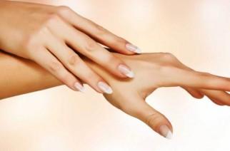Piękne i zadbane skórki przy paznokciach według Sally Hansen.