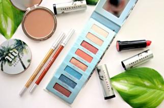 Plażowy look w Urban Decay: szminka Beaches Vice Lipstick i cienie do powiek Beached Eyeshadow Palette