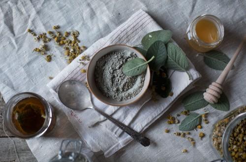 Glinka a rodzaj cery. Jak wybrać najlepszy produkt do pielęgnacji skóry?