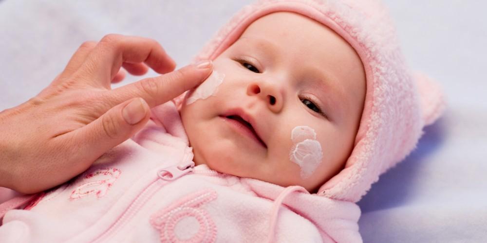 Czy dzieci mogą używać kosmetyków dla dorosłych? Kosmetyki dla dzieci i ich charakterystyka