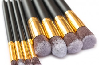 Najlepsze pędzle do makijażu – sprawdź, które z nich są niezbędne na początek