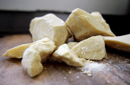 Masło kakaowe do skóry i włosów – zastosowanie i właściwości