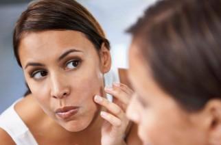 Jak usunąć blizny po trądziku i urazach skóry?