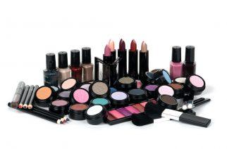 W jakiej kolejności nakładać kosmetyki do makijażu?